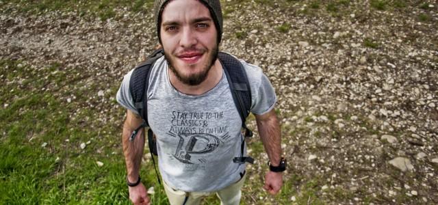 Girare il mondo a piedi il coraggio di mattia miraglio for Piani di studio 300 piedi quadrati