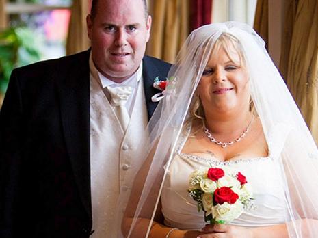 Siamo enormi! Non riescono più a guardare le foto delle loro nozze!